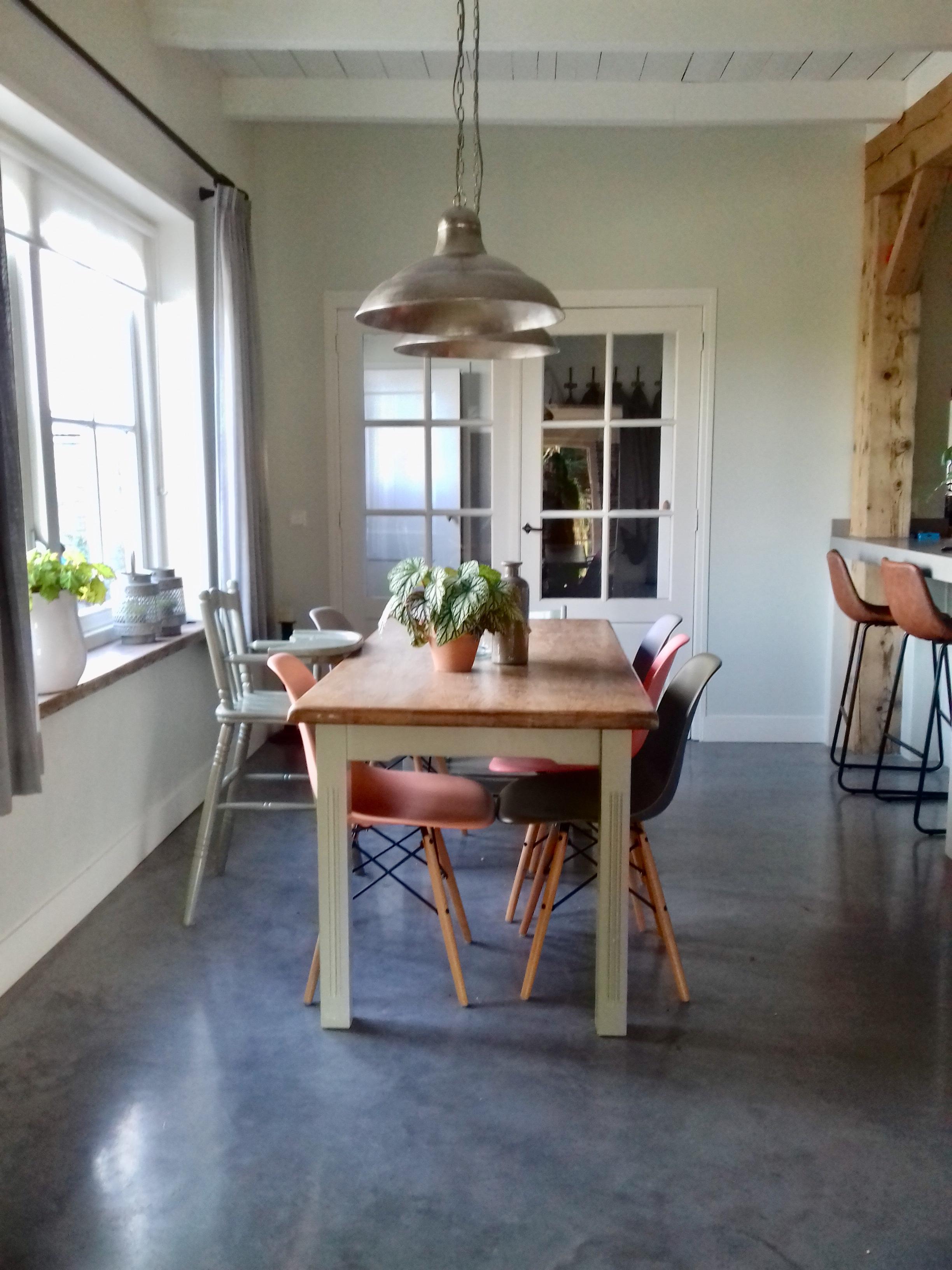 Keukentafel Vergrijsde Tinten